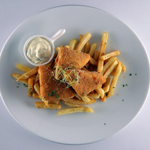 rantott-sajt-hasabburgonyaval-es-friss-snidlinges-tartarral